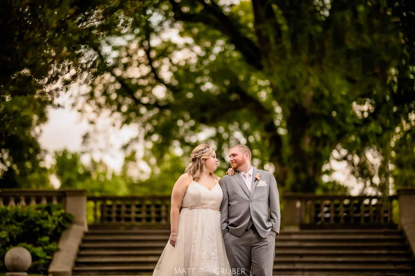 bride and groom portraits at Curtis hall arboretum